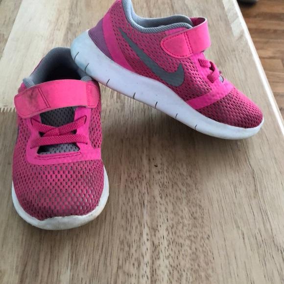 Nike free toddler girl shoes